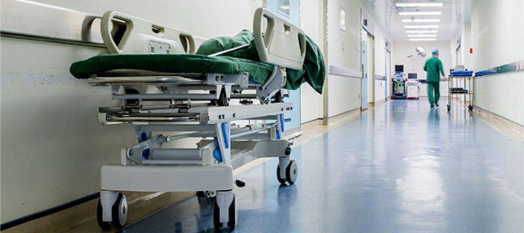 Unfall in der Klinik: So funktioniert der Versicherungsschutz im Krankenhaus
