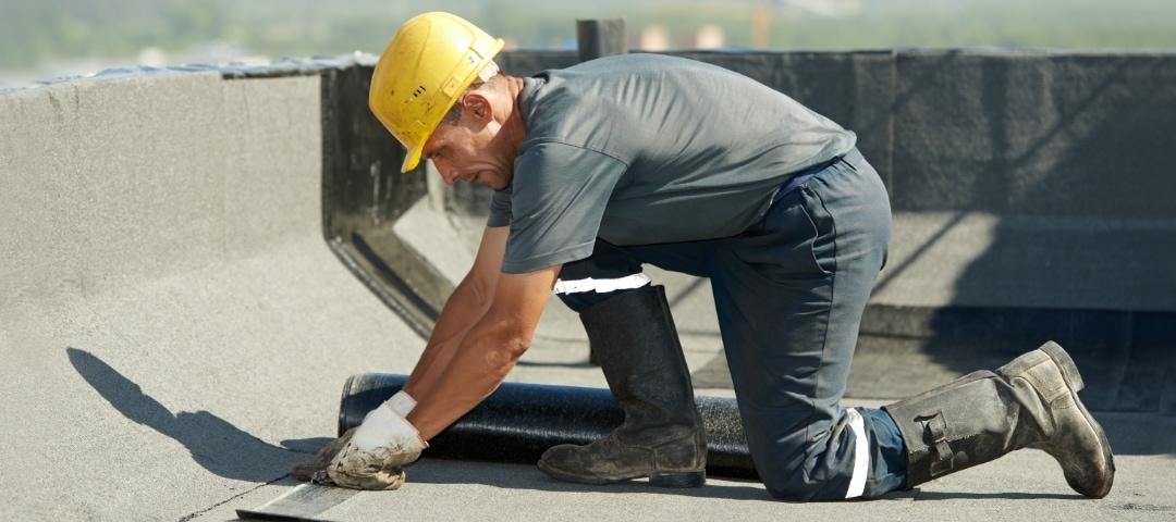 Unfälle bei der Arbeit auf Dächern